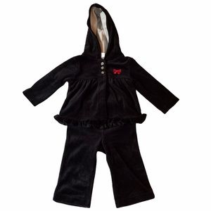 5/$15 Carter's black two piece velvet outfit 6mos
